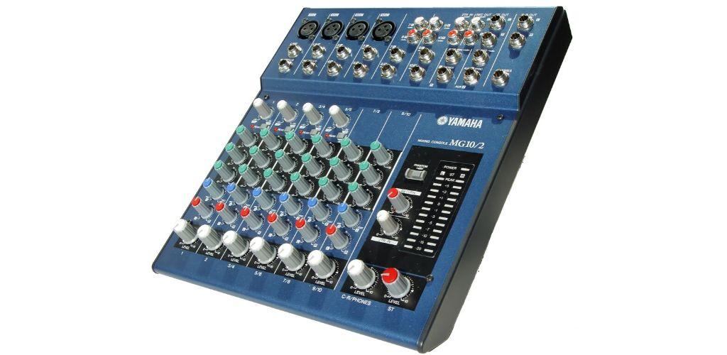 Yamaha MG102-Side-How-to-use-audio-mixer-Speakergy
